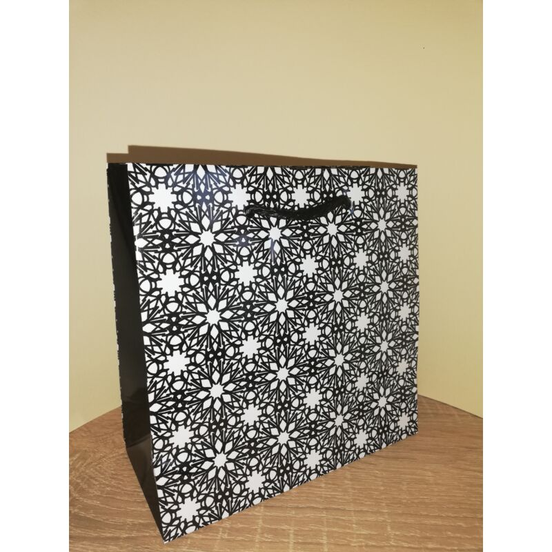 Dísztasak 16x16x6 cm kocka alakú